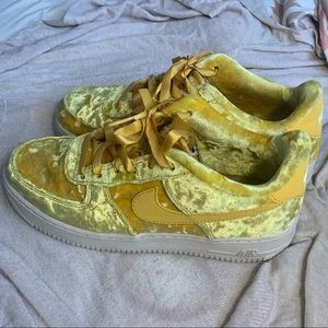 Air Force 1 velvet yellow